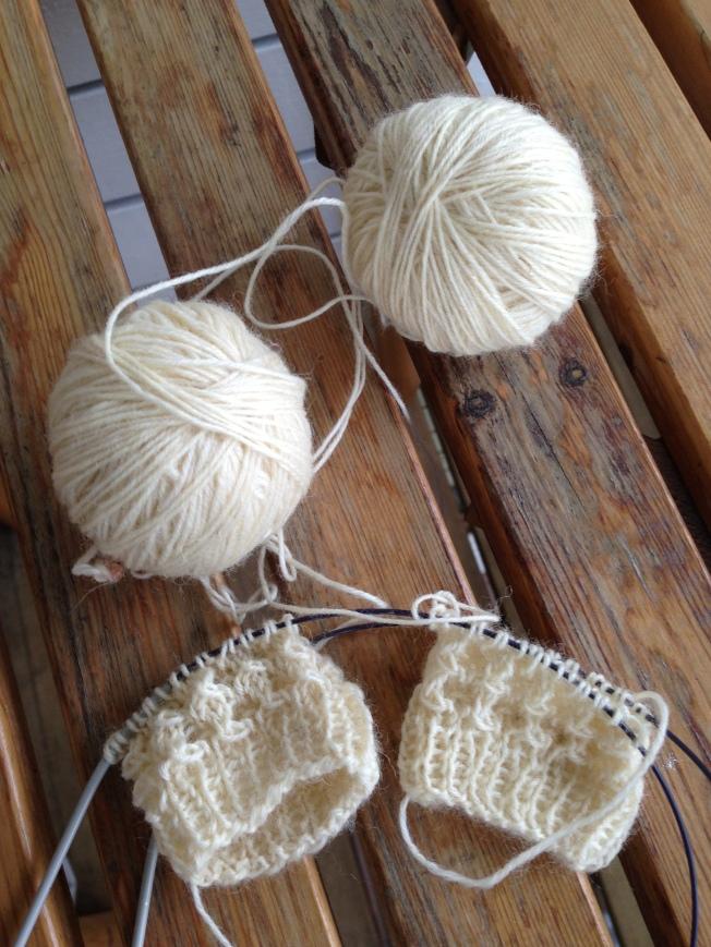 KYH12. Lise-Lotten pikkuiset sukat